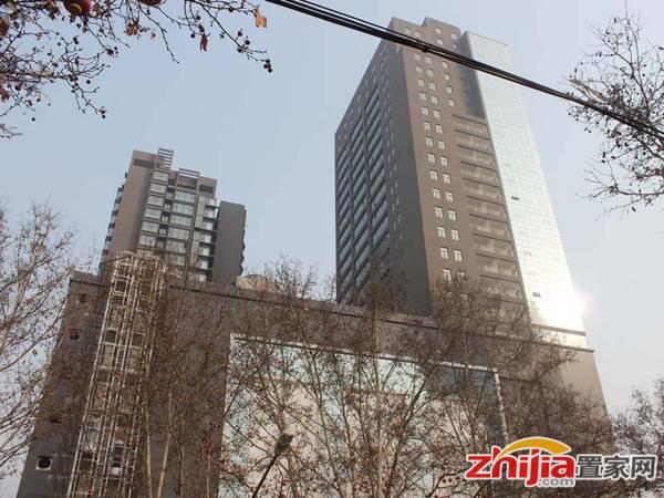 金宇大厦 金宇大厦现正在安装电梯(2013.2.20)