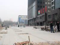 卓昱大厦 项目前小广场已完工