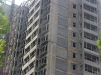 华天金街 正在安装玻璃框架(2014-06-05)
