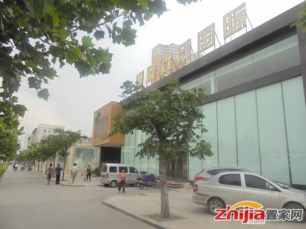 唐隆森茂国际 售楼部正在进行内部装修(2014-07-14)