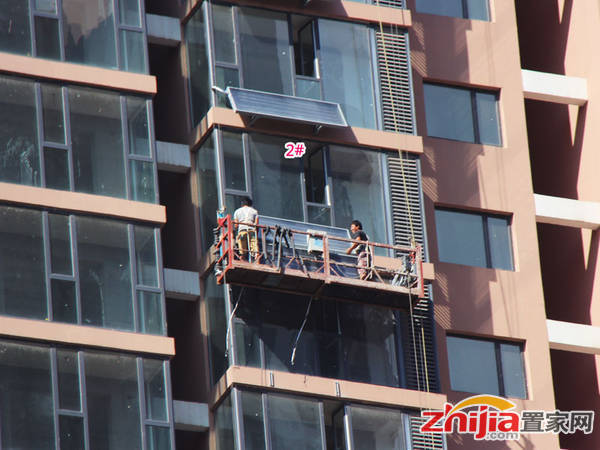 力天凤凰城 正在安装太阳能(2014-09-04)