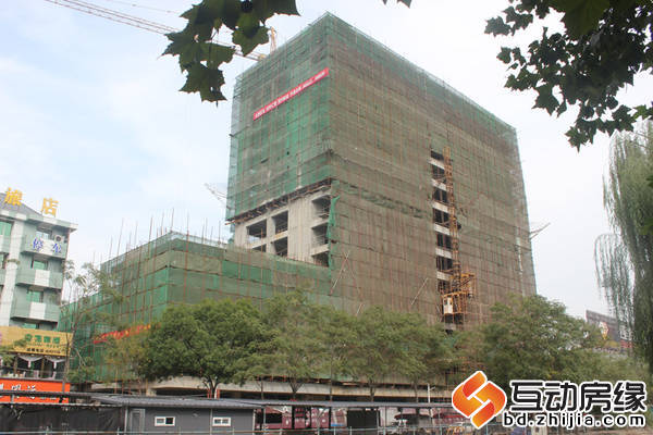 華大國際中心 施工遠景圖,本周封頂