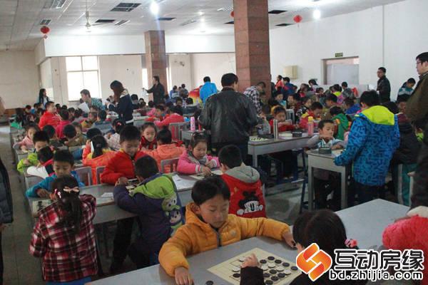 中央峰景B区 11月8日 民生地产杯2014保定市儿童智力竞技等级赛 比赛现场