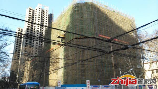 华宸华庭 写字楼已出地面10层。(2015.3.3)