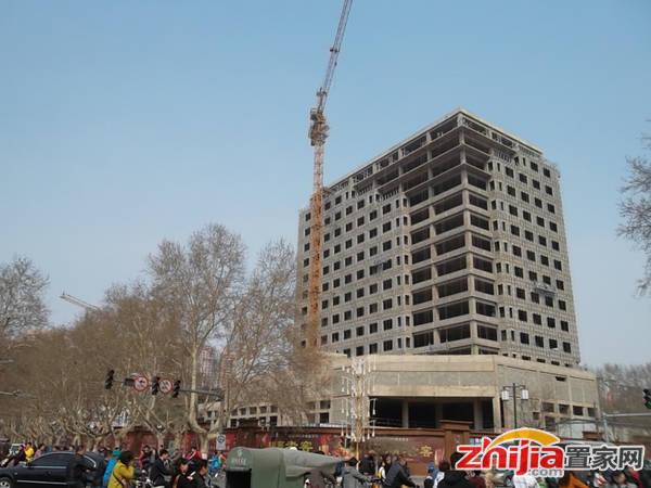 君合大厦 项目北区高层已经封顶,正在做外立面框架结构