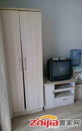 红人公馆 1室1厅1卫 40m² 租金1500元/月