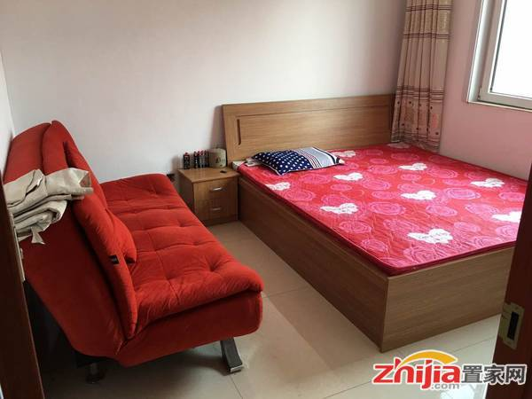 出租合作小区一室一厅租金700