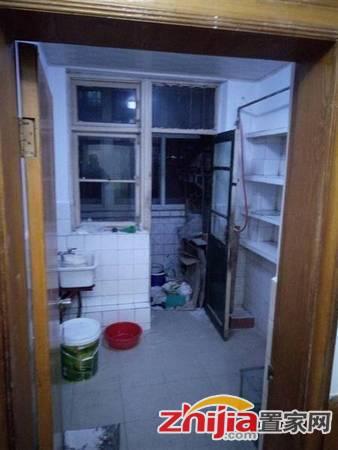 尖岭小区 1400元 2室1厅1卫 简装,家具家电齐全,急租