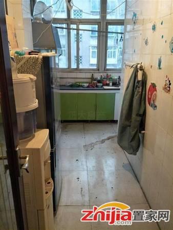 尖岭小区 1300元 1室1厅1卫 精装,价格实惠,空房出租