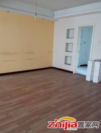 美东国际 5200元 3室2厅2卫 中装,全家私电器出租