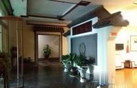 地铁口中信银行大厦2000平2.4元全套家具诚招实力型公司入