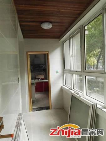 槐安路沿线 海龙花园东区一楼带院 三室两厅两卫 将装修
