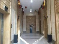出租新华区华强写字楼240平米阳面写字楼办公室一套双地铁口