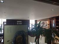 裕华区万达写字楼670平米无押金带家具办公室出租正对电梯口