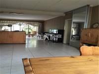 一楼带院 世纪花园  3室2厅2卫 精装 干净整洁 随时看房