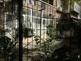 真实照片。。一楼带30平小院带小房,沿东沿西小区随时看房
