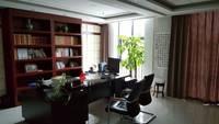 裕华区西美万达广场电梯口530平带大气前台全套办公家具装修