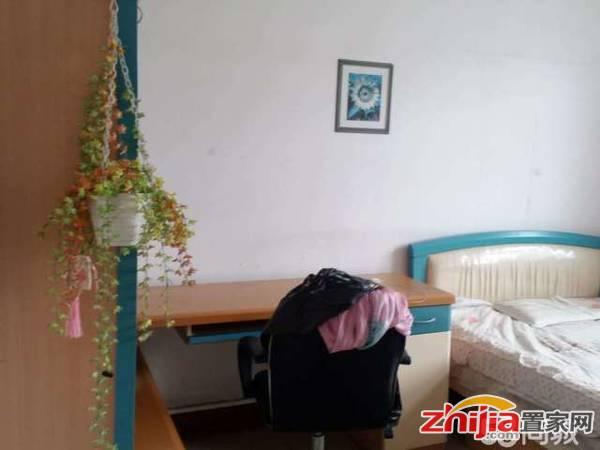 广泰小区 3室2厅1卫 95m² 租金1600元/月