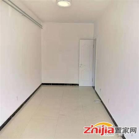 青园偏门两室精装婚房,三楼,房子新,首付低,带地下室,有钥匙