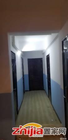 天山国宾壹号 1室0厅1卫 主卧 朝南