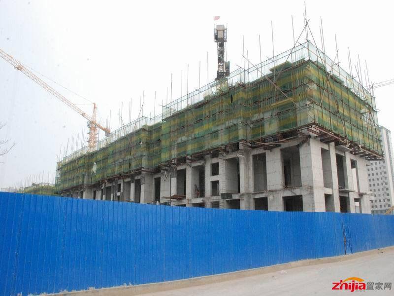 众和凤凰城7月25日工程进度:部分楼起至四层