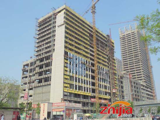 建筑面积27万平方米,共开发建设1栋高档写字楼,1栋五星级酒店,1栋铂金