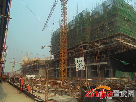 百家新城二期6#楼最告已盖至7层 年底即可封顶