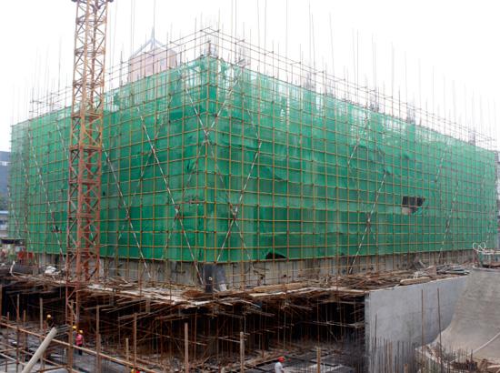 中和商厦现已盖至3层 其它工程稳步推进中