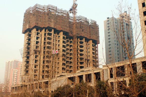 金色漫城 1#楼盖至20层 其他楼体均已封顶