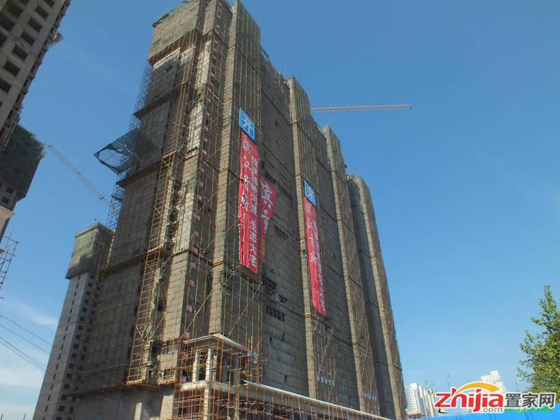 滨江首府一期施工神速 外立面装饰完成
