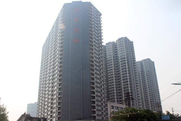 宝盛花语城现房销售即买即住 广场路面施工已完成