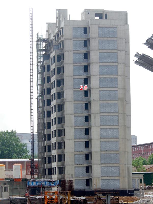卓冠美景城 2#和4#楼工期迅速 二次结构作业即将完成