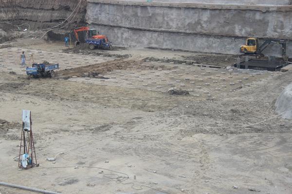 江城首邑工程进度来袭 挖槽工程作业如火如荼