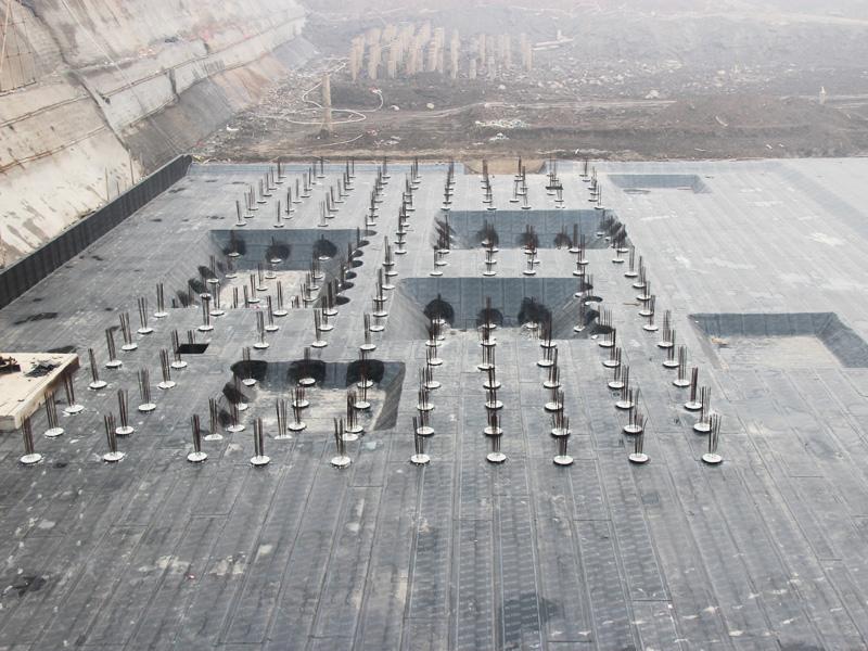 江城首邑最新工程播报 挖槽打桩作业全程展开