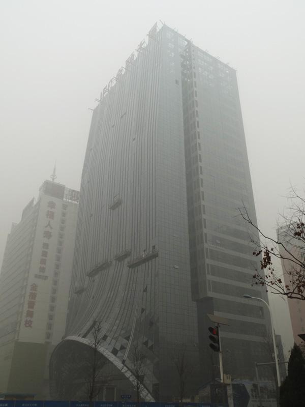 IFC国际金融大厦工程播报 玻璃幕墙安装作业即将完成