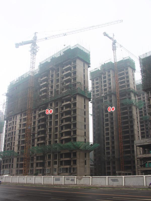 御景江山二期施工进展迅速 2#楼正在封顶作业