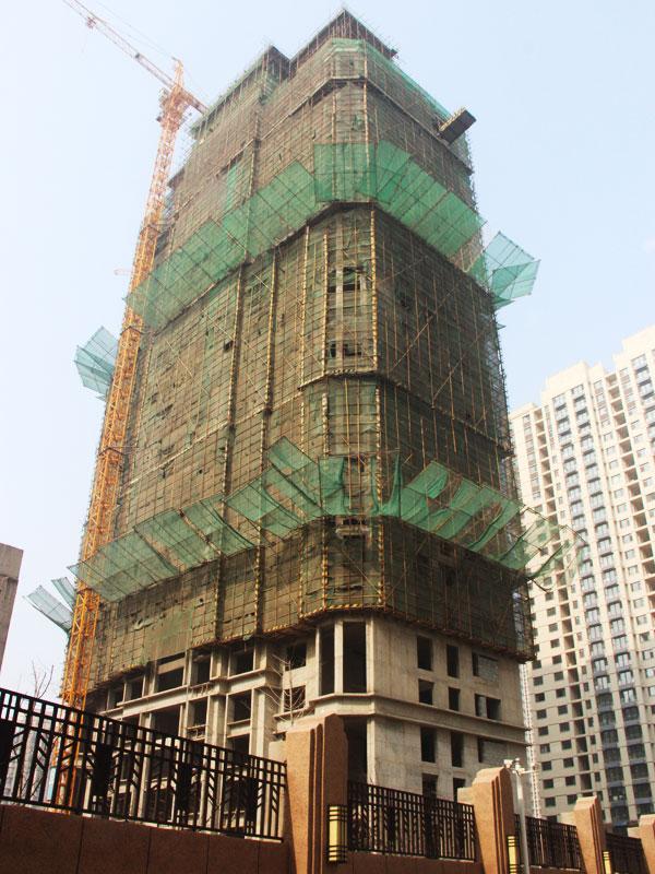 鑫都汇二期10工程播报:两栋楼体均已封顶