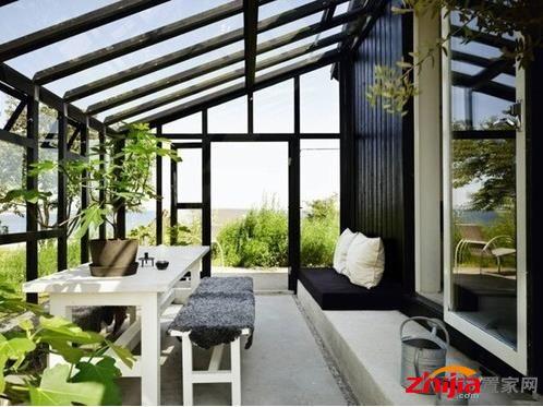 设计阳光房时要注意排水系统的设置