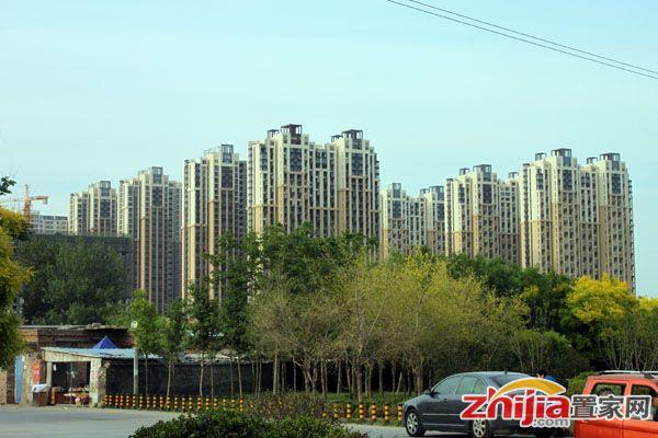 瀚唐世家 均价7700元/平 主推138/158平三居户型