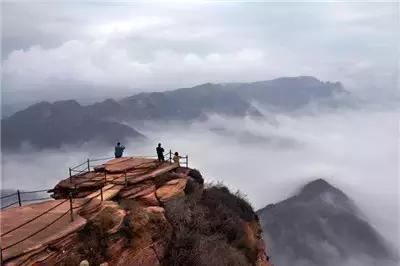 棋盘山以生态森林景观为主,位于赞皇县城西段里沟, 是4a级国家旅游