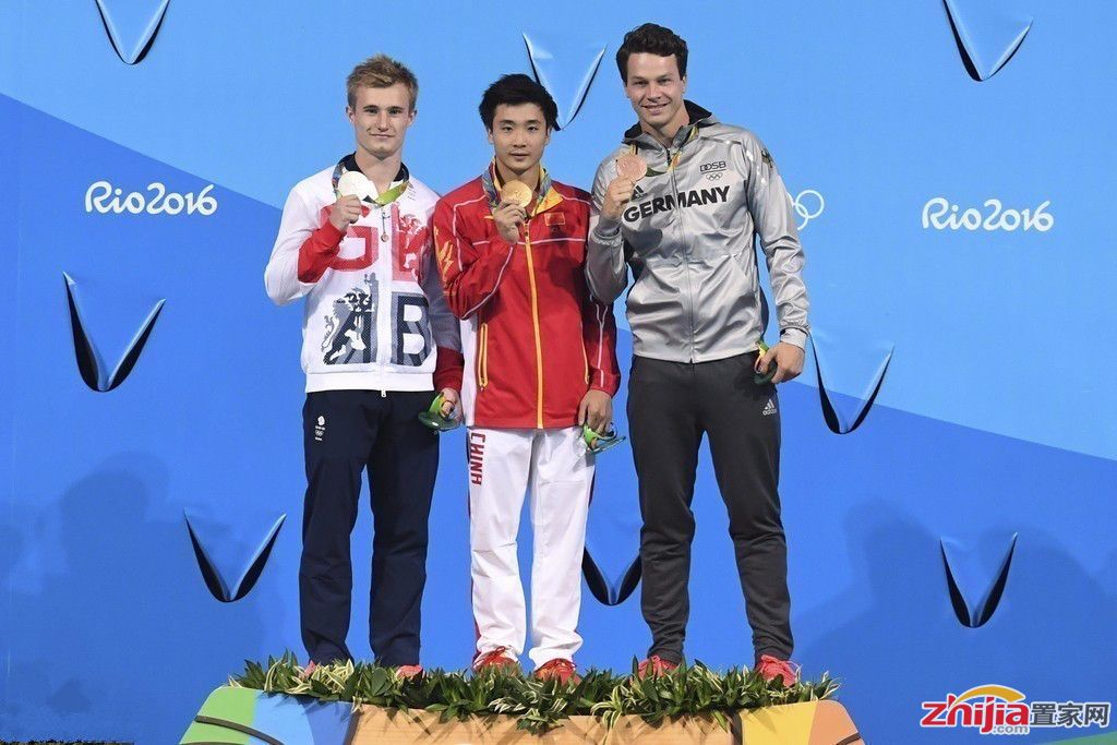曹缘夺三米板跳水金牌 最后一跳完美入水