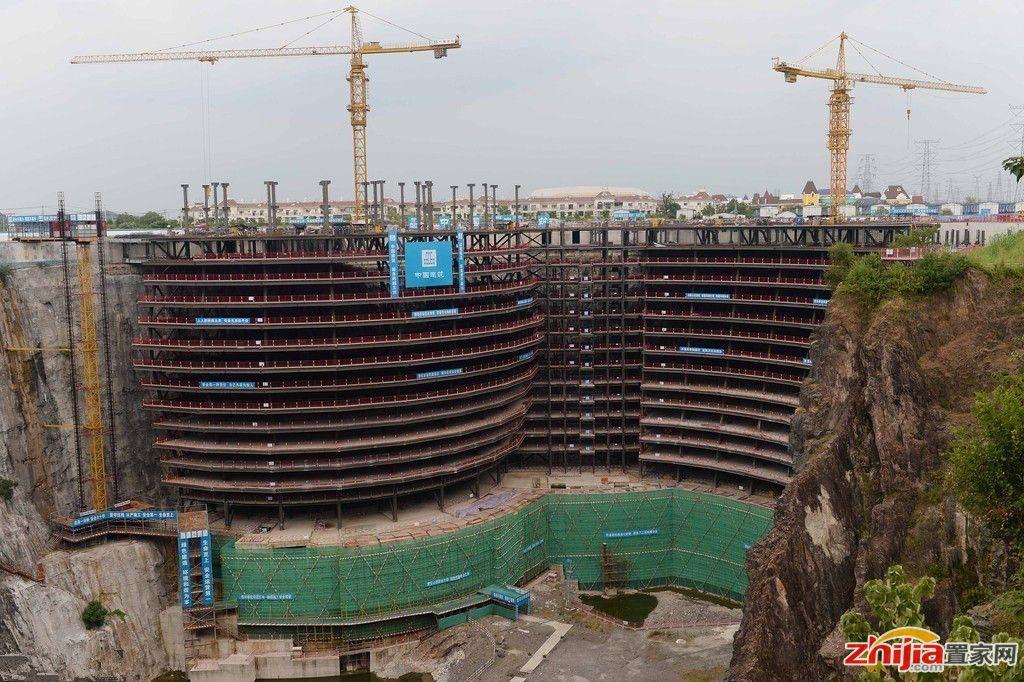 """上海现""""深坑酒店"""" 地下17层水下两层"""