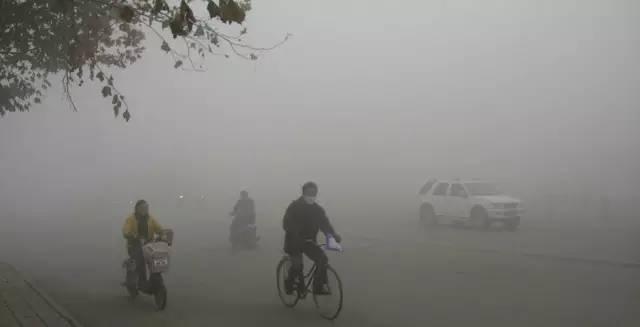 """创下极端污染天气纪录,石家庄最严治霾令背后的""""破千""""尴尬"""