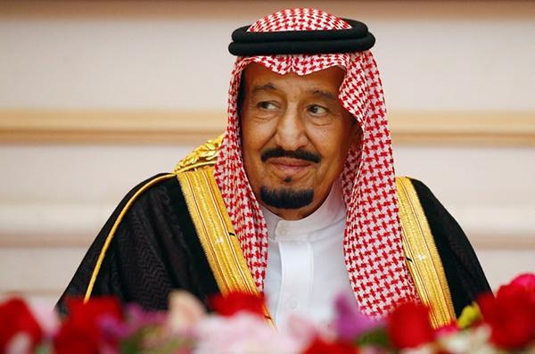 沙特国王今日到访中国,带了506吨行李与2部镀金电梯