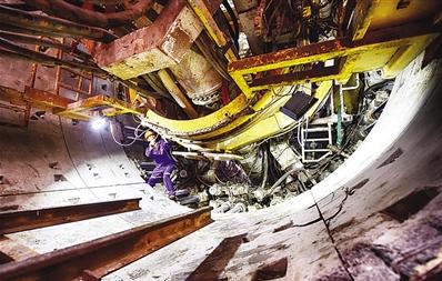 地铁2号线一期工程 首台盾构机始发
