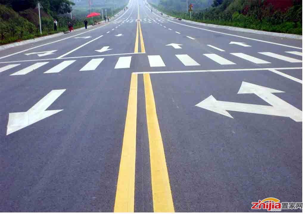 石家庄:西二环南向北虚实线延长 切莫违规变道