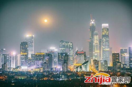 本次月全食观测条件好,在城市中也能看的清楚(请忽略照片中的雾霾)
