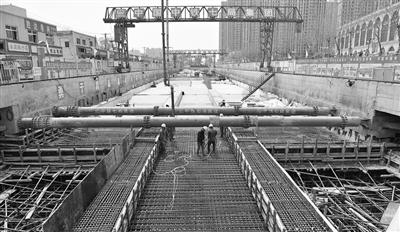 石家庄市地铁2号线塔谈站封顶