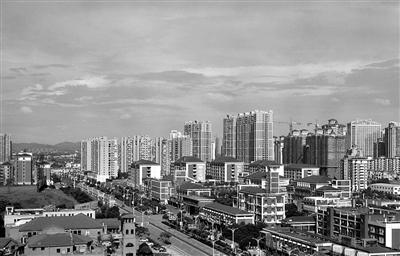 """房价直追省会 """"限房价、限地价""""能否稳住楼市?"""