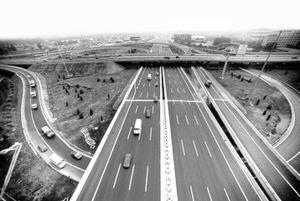 新元高速部分路段改造断交施工